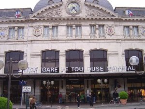 -toulouse-railway-station-ready-to-catch-our-train-to-bordeaux-toulouse-france